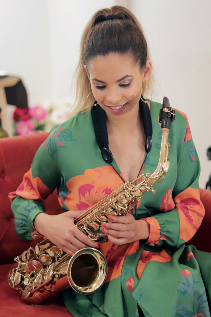 Diana Catarino Saxofone Smart Sax