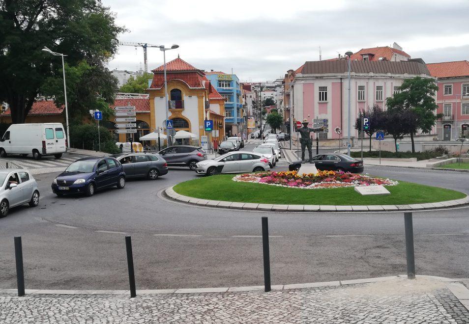 Rotunda Sinaleiro Leiria Trânsito
