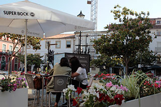 Esplanada-Praça-Rodrigues-Lobo-320