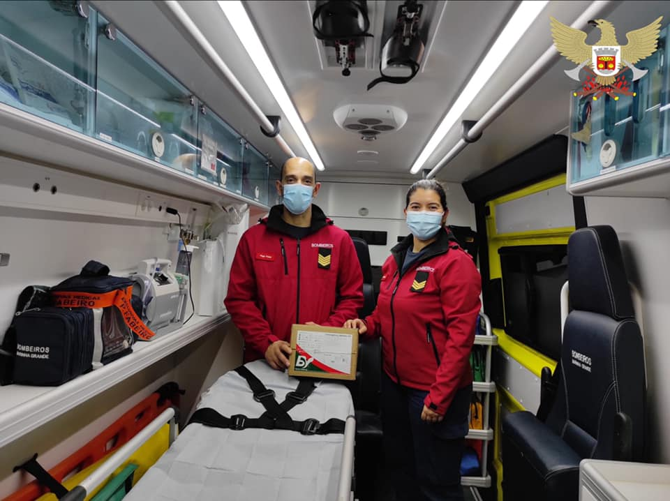 Bombeiros Hugo Prista e Erica Batalha