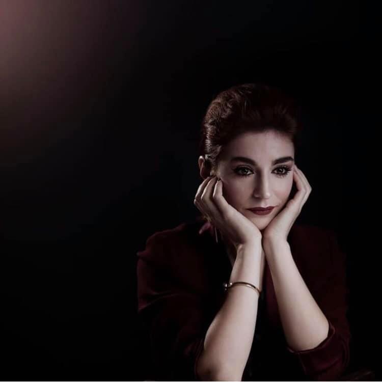 Cantora Rita Redshoes